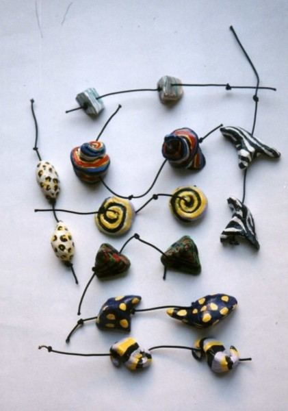 perles pâte à cuire, acrylique, fil élastique