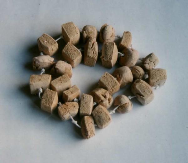 perles pâte à sel, acrylique, fil élastique-copie-1