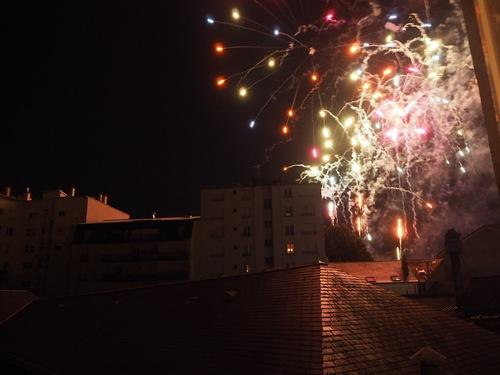 Étoiles et toits.