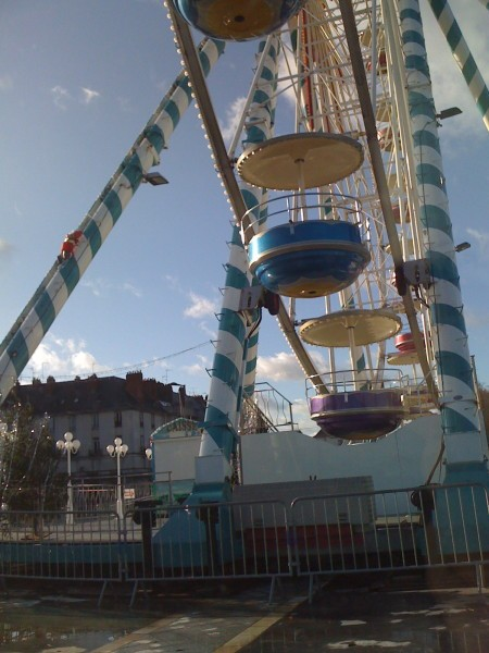tournez-manege-copie-1.JPG