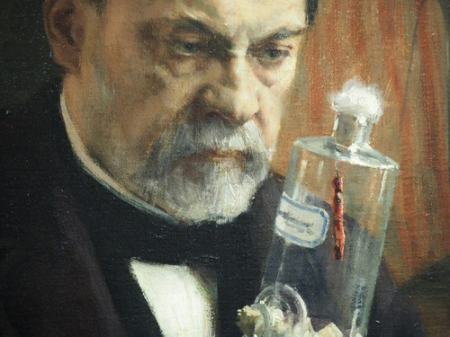 Louis Pasteur observant une trace de peinture.