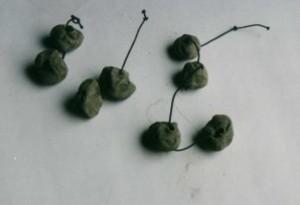 perles-argile---fil-elastique-copie-1.JPG